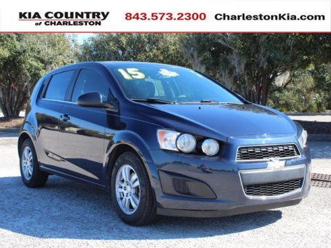 Pre-Owned 2015 Chevrolet Sonic 5dr HB Manual LT