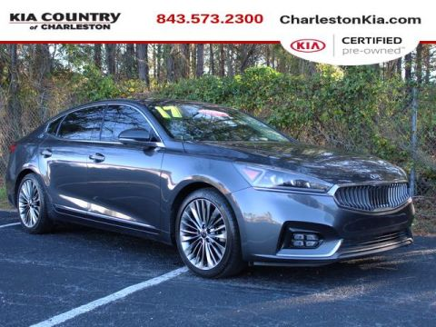 Certified Pre-Owned 2017 Kia Cadenza Limited Sedan